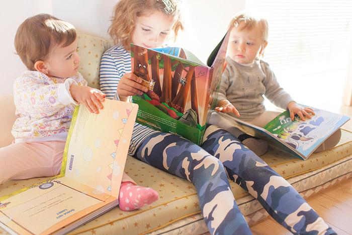 niñas-leyendo