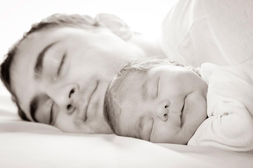 padre hijo dormidos